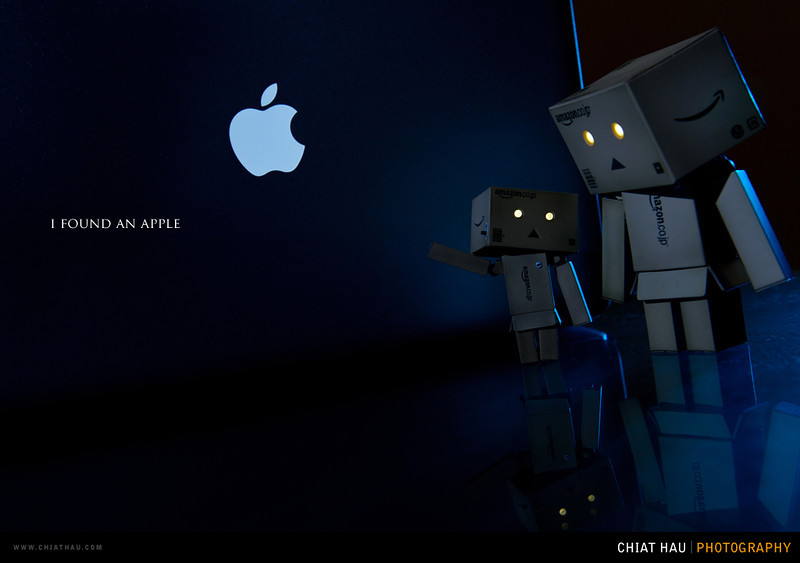 Toys Photography by Chiat Hau Photography (Danbo - I Found an Apple)