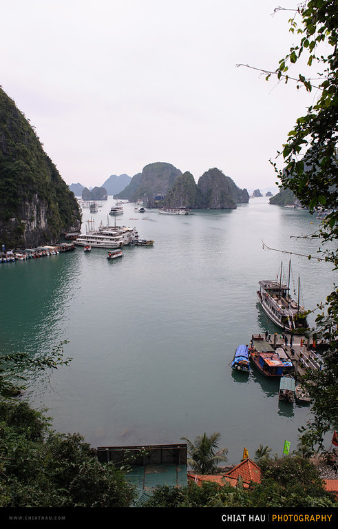 Travel Photography by Chiat Hau Photography (Ha Long Bay - Amazing Cave - Vietnam - Day 6)